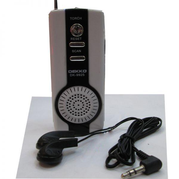 Радиоприемник FM с фонариком и наушниками <DEKKO DK-9925>